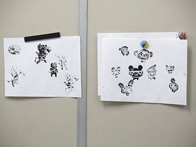 パーツを繰り返し刷ったりして絵をつくります