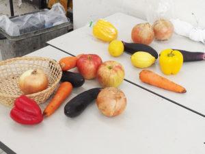 モチーフは果物や野菜です